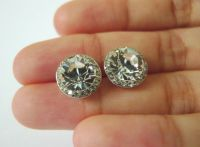 What kind of earrings should I wear?