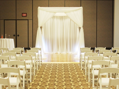 chair rental chicago oversized swivel chairs wedding ceremony decoration | weddingbee photo gallery