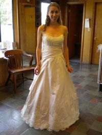 Wedding dress size 2-4ish or street size 0-2 can you post ...