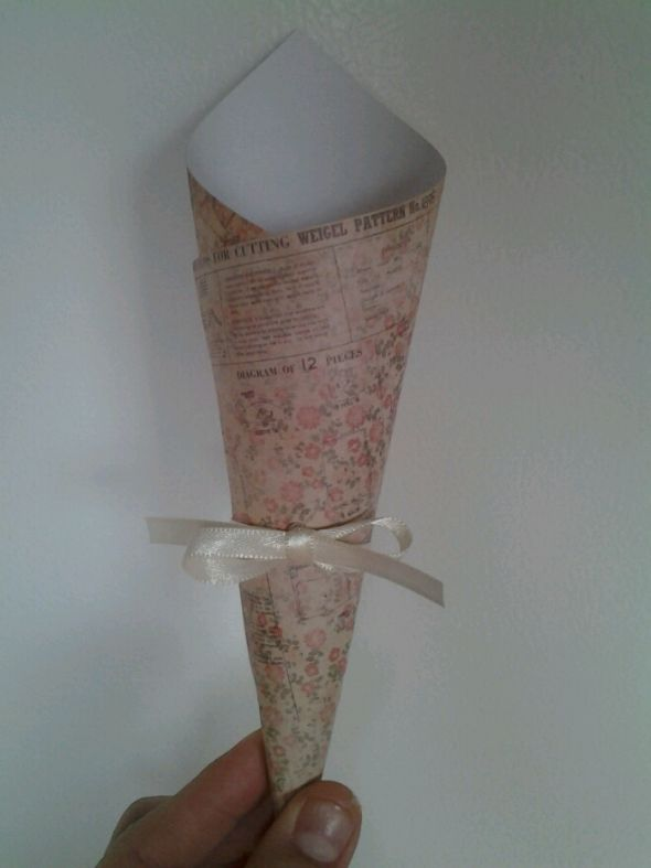 Scrapbook paper ricebirdseedconfetti toss cone