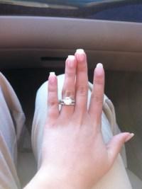 New popular wedding rings: How to wear wedding ring set