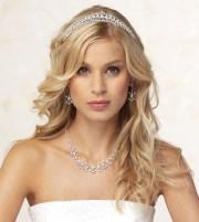 show tiara hair style pics