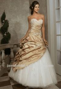 Help! Champagne wedding dress vs Red bridesmaid dresses