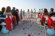 tiffany blue red beach wedding