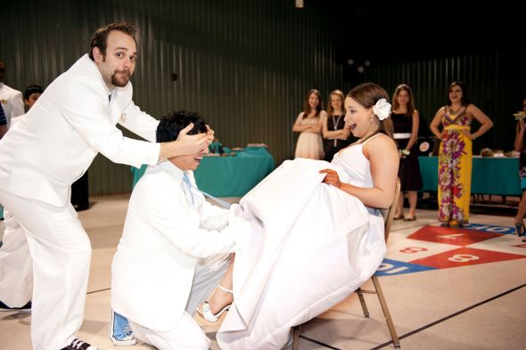 Ok Ladies! I Want To See Some Funny Wedding Pictures Of