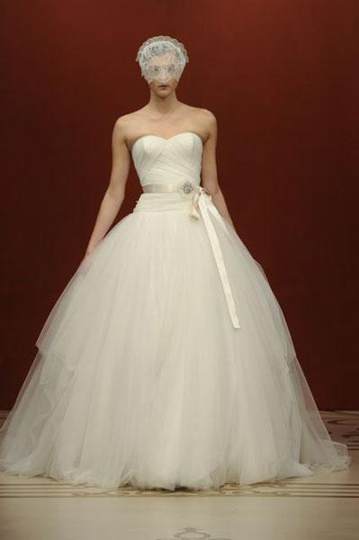 Bridal Market 2010 - Reem Acra :  wedding bridal market 2010  Val1230 _VAL1230