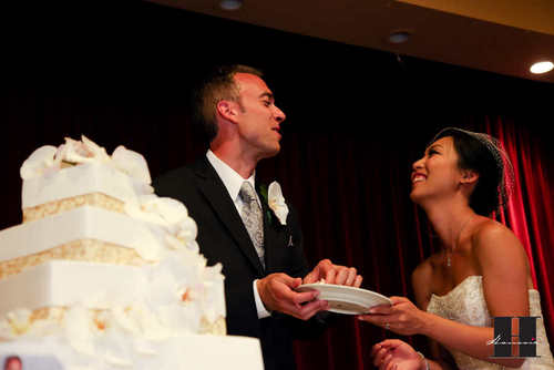 With This Wing: Cake Cutting :  wedding pictures pro pics recap san diego Recepti033 Recepti033