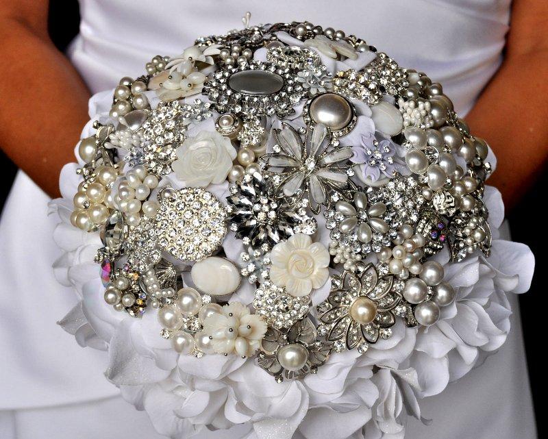 Amazing Beautiful Brooch Bouquets Wedding Bouquet Heirloom