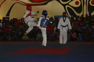 2009 PNG Games finalists fighting for Gold in the Under 49Kg division, where Autonomous Region of Bougainville won Gold.