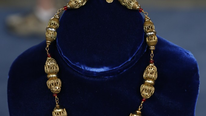 Chanel Costume Jewelry Necklace Ca 1940 Antiques