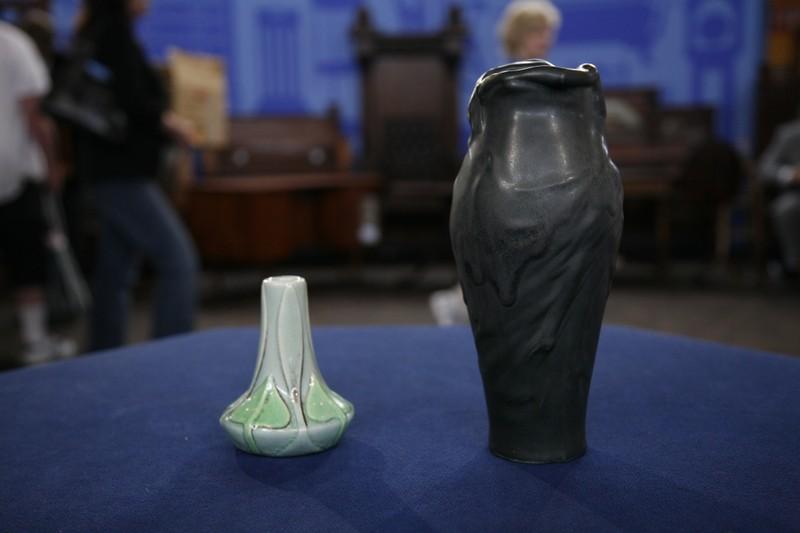 Two 1902 Van Briggle Vases Antiques Roadshow Pbs