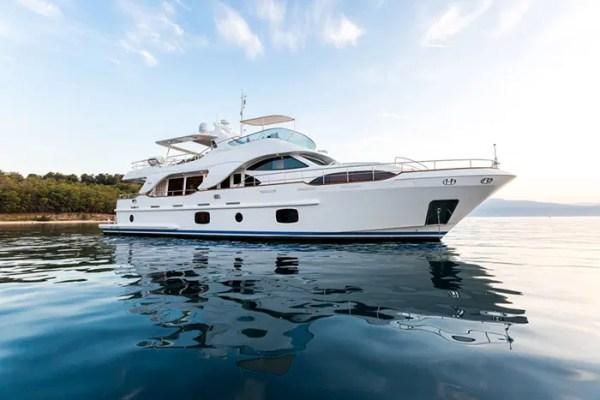 Yacht REBECCA V 85 Benetti Motor Yacht