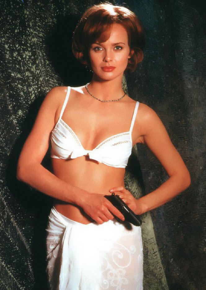 The bikini Izabella Scorupco wore in the 1995 Bond film GoldenEye (white, three-piece: top, bottom, and sarong). Izabella has donated the bikini herself, it has been in her possession since the filming. Now in The James Bond 007 Museum Sweden Nybro.