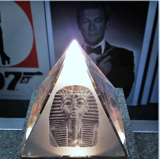 Glass pyramid med Tutankhamun from Egypt Giza in James Bond Museum Sweden Nybro