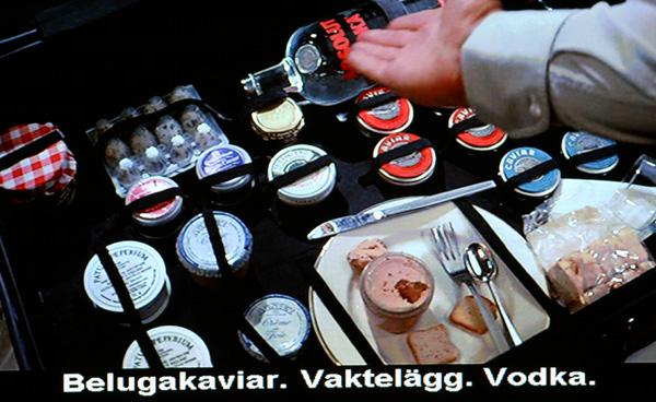 En scen med Svenska Absolut Vodka som förekommer som sponsor i Never Say Never Again  Med Sean Connery som Agent 007 James Bond