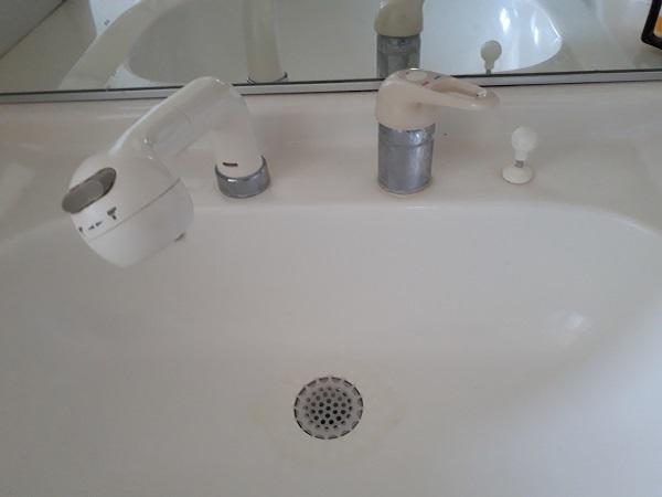 大阪府茨木市にて洗面の水漏れ事例