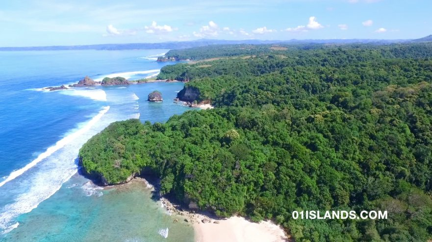SUMBA-LAND-BALILOKU-BEACH