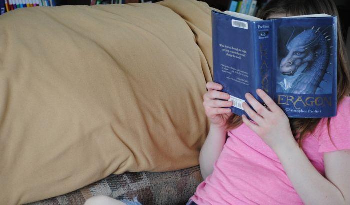 Deci moramo probuditi maštu da bi čitala