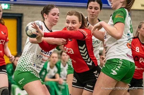 10-03-2020: Handbal: Vrouwen Quintus v PCA Kwiek: Kwintsheul Handbal DS1 2020 (L-R) Kim Peters (PCA / Kwiek #7) en Fem Boeters (Quintus #8)