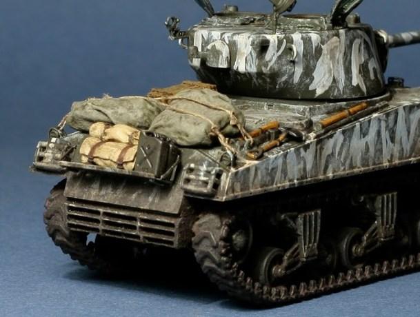 Sherman M4A3 (76) W from Dragon