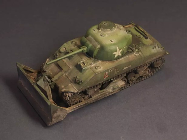 1/72 – UM – 214 – M4A2 with M1 Dozer Blade, FINISHED Model.