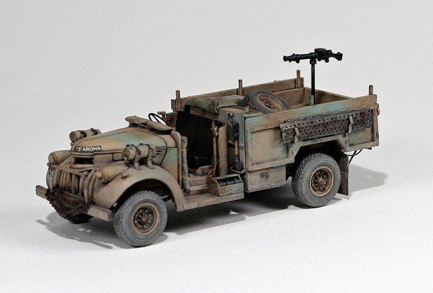 1/72  Dragon LRDG Patrol Car w/Lewis Gun – finished