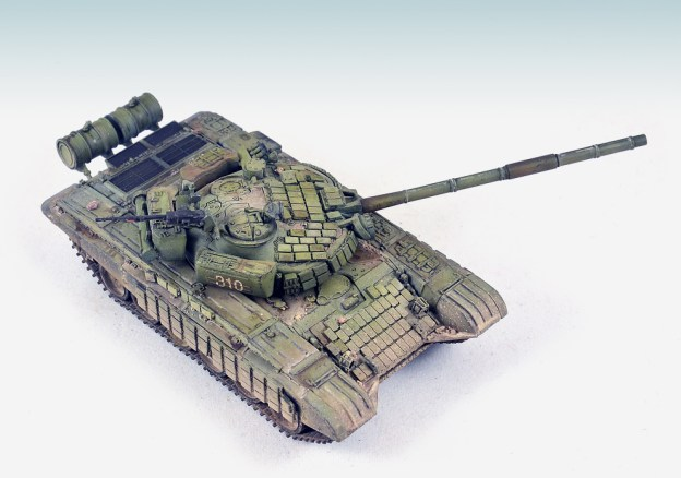 1/72  Model Collect – 72007 – T-72B with ERA