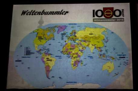 """Allmannsweier ist auf der ganzen Welt vertreten. Hier die Weltkarte mit den """"Weltenbummlern"""". Foto: S. Leppert/Förderverein"""