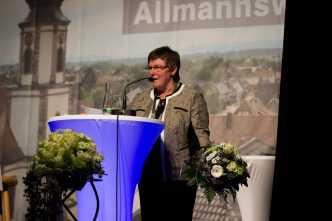 Ortsvorsteherin Ria Bühler bekam Blumen Foto: S. Leppert/Förderverein
