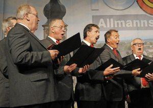 Musikalische Beiträge von Männerchor.... Foto: WOLFGANG KUENSTLE