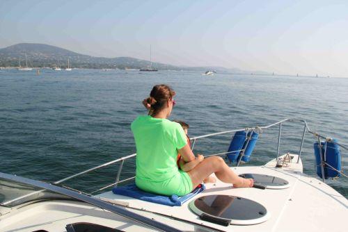 bateau_four-winns-vista-265_4099629