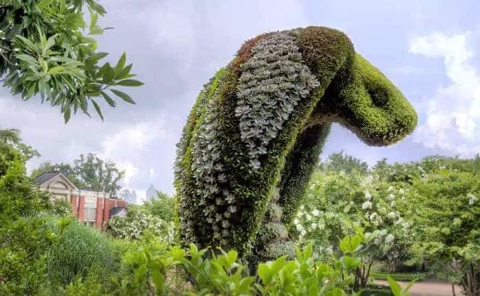 Incredible Giant Plant Sculptures  1001 Gardens