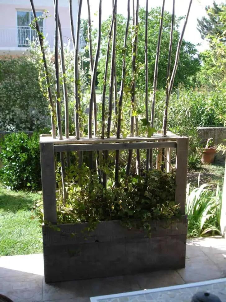 Upcycled Wooden Pallet Vegetal Fence  1001 Gardens