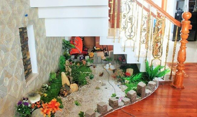 Under The Stairs Decoration Ideas With Plants