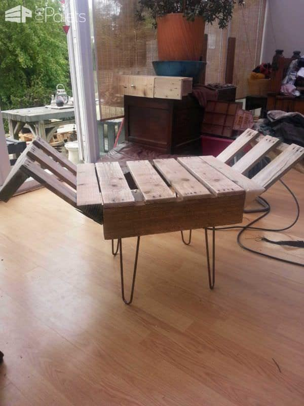 Retro Style Indoor Bench From Upcycled Pallet Amp Steel