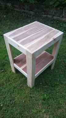 Outdoor Wood Pallet Coffee Table