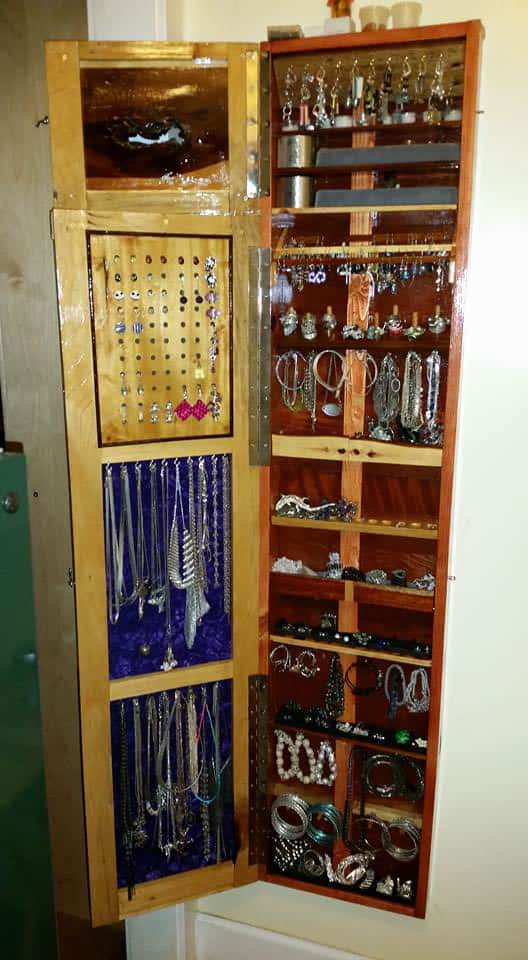 Jewelry Pallet Armoire  Low Profile Wallhung  1001 Pallets