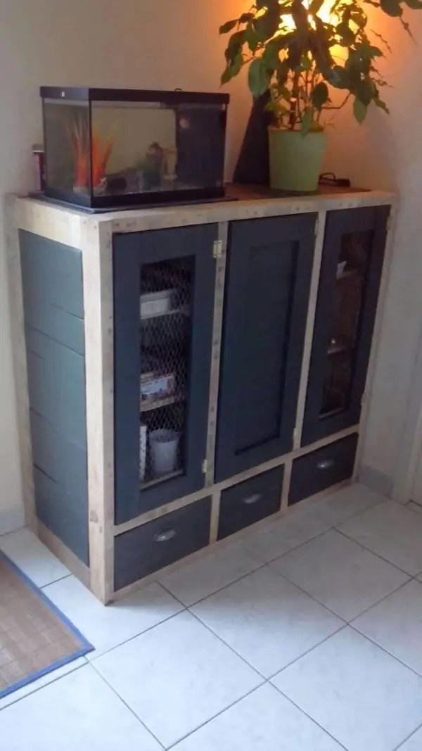 Meuble De Rangement  Pallet Enclosed Cabinet  1001 Pallets