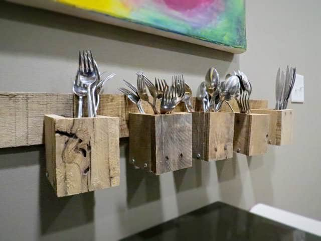wooden restaurant chairs folding lounge beach chair pallet wood wall mount silverware holder • 1001 pallets
