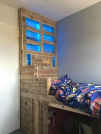 Raised Pallet Led-lit Kids Bed  1001 Pallets