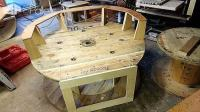 Comfy Inviting Diy Oversized Pallet/Spool Chair  1001 Pallets