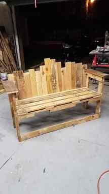Store Front Decorative-backed Pallet Bench Seat 1001 Pallets