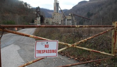 Q&A: Writer Explores Why Appalachia's Economic System Keeps People 'Poor, Sick, and Stuck on Coal'