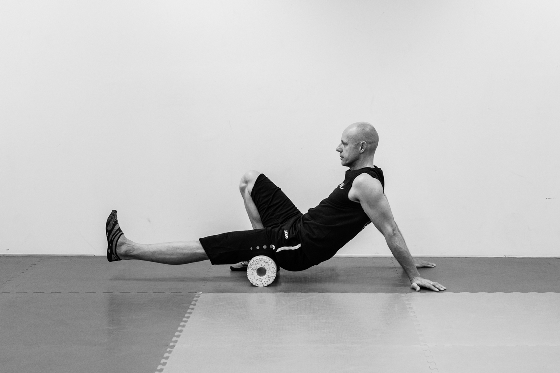 Black Roll Relax Exercises - Photographed by Fanning Tseng for Y!PE-4