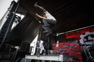 147_VWT_Crown the Empire