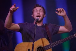 Phillip Phillips_007