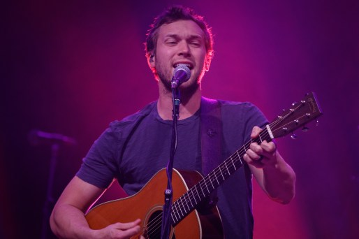 Phillip Phillips_019
