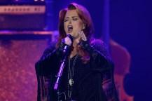 Wynnona Judd singing