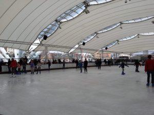 Pattinaggio su ghiaccio al Porto Antico