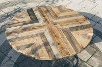 Round Top Table Made of Pallets - DIY